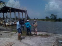 Fox-NO anchor Nancy Parker speaks with photographer Jerry Moran in Cocodrie, la